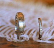 お互いの好きなデザインを尊重しあった結婚指輪