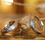 木目リングの結婚指輪