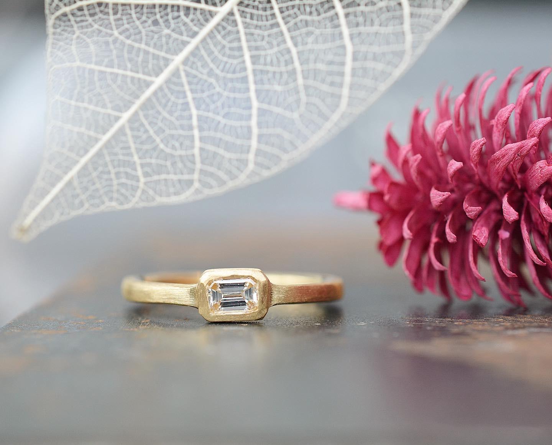 エメラルドカットのダイヤモンド